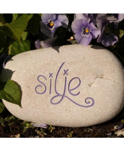 Naam gravure witte steen